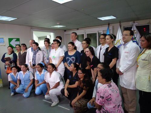 Más de 30 personas participaron en la separación de Las Rositas. (Foto Marcia Zavala/Soy502)