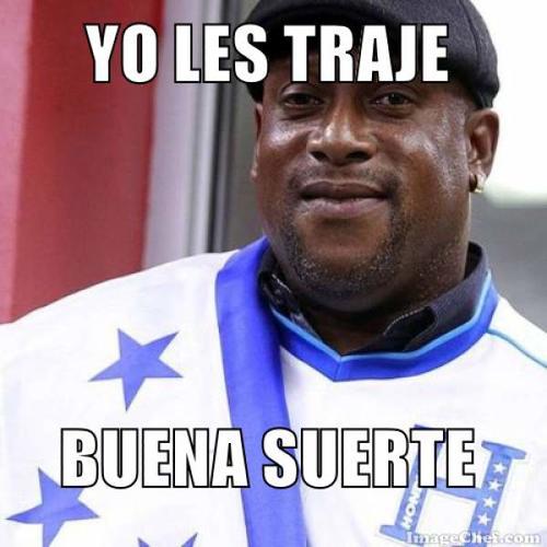 El actual técnico de Xela, Hernán Medford, también apareció en los memes. El tico estuvo al frente de la Bicolor cartracha.