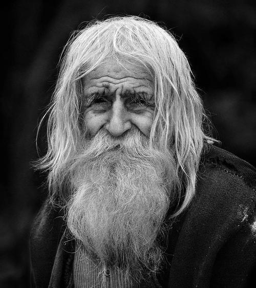 Actualmente este hombre vive de la pensión mensual de 80 dólares que le da el estado.