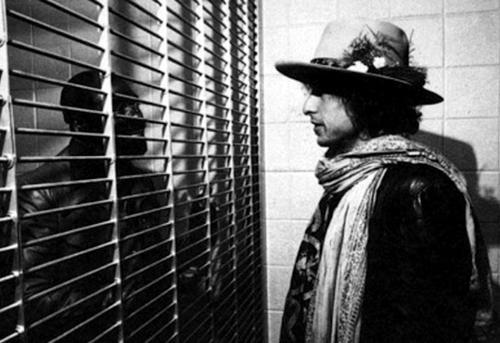 El compositor Bob Dylan visitó a Carter a la prisión en varias ocasiones luego de leer su autobiografía (Foto: Archivo)