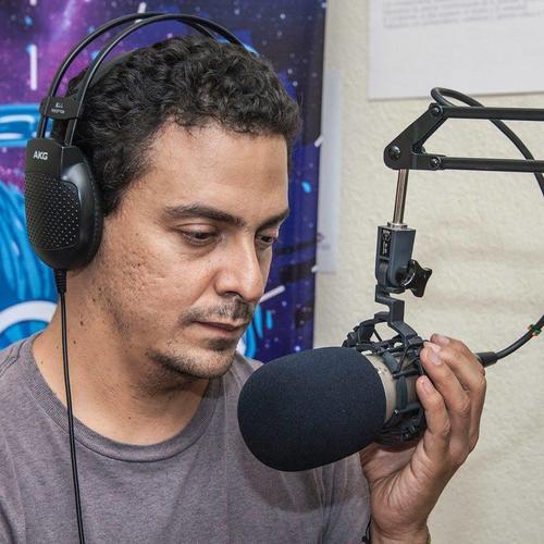 Edgar Zamora crea toda la información para educar a los jóvenes en los espacios de Sónica Gt. (Foto: Facebook)
