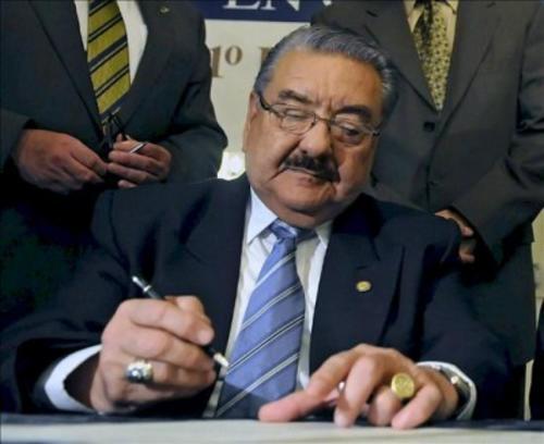 El expresidente del Congreso, Eduardo Meyer, fue condenado a 3 años de prisión por el desfalco de Q.82.8 millones de los ahorros del Congreso. (Foto: EFE)