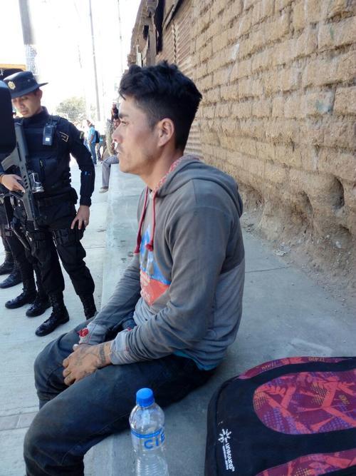 Las autoridades detuvieron a un salvadoreño que tenía una orden de captura internacional por homicidio. (Foto: PNC)