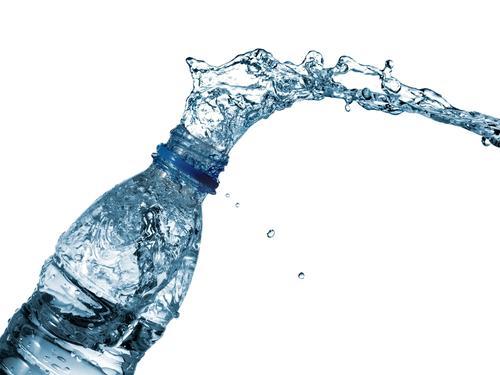 El agua bien almacenada tiene una fecha de caducidad infinita. (Foto: elecodesunchales.ar)
