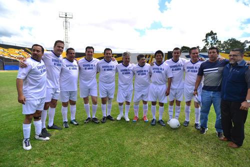 Recientemente el diputado participó en un encuentro futbolístico como parte del equipo de presidenciables. (Foto: Soy502)