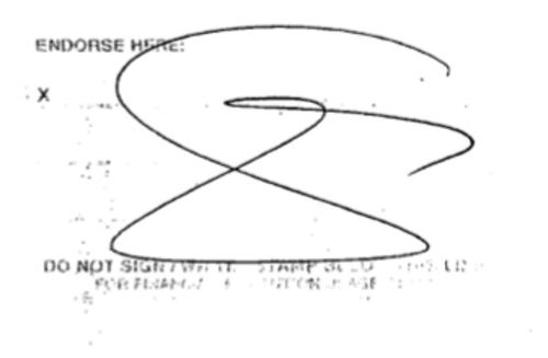 Los tres primeros cheques fueron cobrados por el propio ex mandatario, según lo comprueba el endoso de los cheques. (Foto:Soy502)