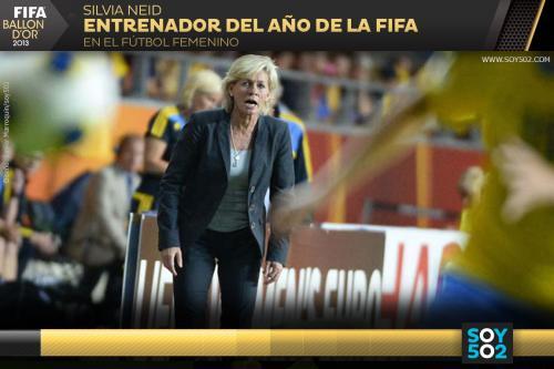 La seleccionadora alemana de 49 años, Silvia Neid, fue elegida entrenadora del año para la FIFA.