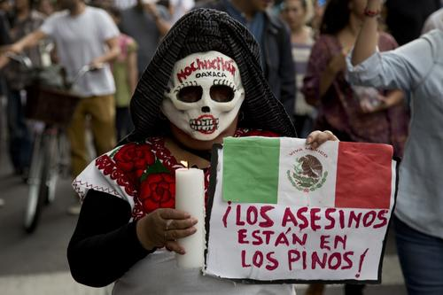Los manifestantes exigieron la renuncia del presidente Enrique Peña Nieto.  (Foto: www.infobae.com)