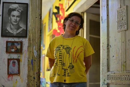 Beatriz, directora y creadora de la Escuela de Niños Pintores Frida Kahlo. (Foto: Wilder López/Soy502)