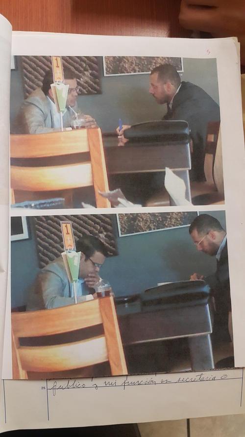Las fotos adjuntadas al expediente muestran la evidencia de la reunión donde se habría solicitado el soborno.