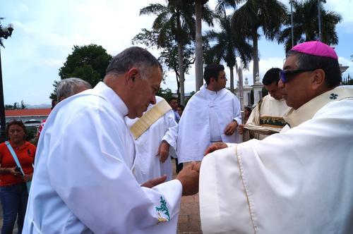 El señor Arzobispo de Guatemala Mons. Oscar Julio Vian Morales, exhortó a que continúen en el llamado de Nuestro Señor Jesucristo. (Foto: Marlon Villeda)