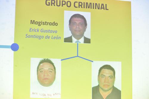 El magistrado Erick Santiago de León habría solicitado un soborno a través de dos personas externas a la sala. (Foto: Archivo/Soy502)