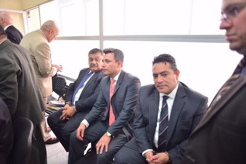 Los exdiputados Carlos Herrera y Edgar Cristiani, así como el exdirector General del Congreso, Luis Mijangos, se encuentran ligados a un proceso penal por plazas fantasma. (Foto: Archivo/Soy502)