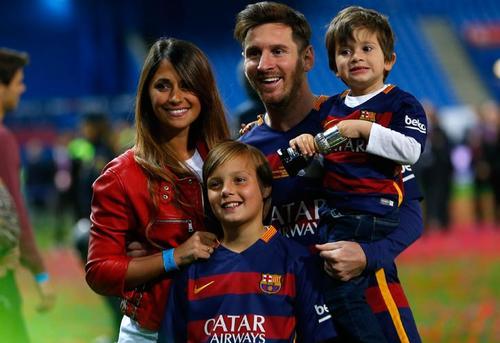 La familia de Messi lo acompaña a los partidos cada vez que les es posible. (Foto: 442.perfil.com)