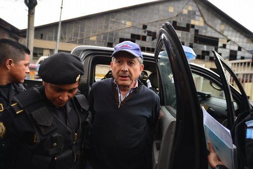 Al operario César Medina Farfán se le vincula en tres casos distintos denominados en uno solo como La Red.  (Foto: Wilder López/Soy502)