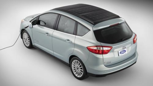 El automóvil es un vehículo prototipo que todavía no está disponible en las salas de exposición de concesionarios, es una versión del automóvil eléctrico D-Max Energi, que ya vende Ford.