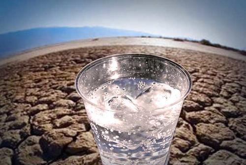 Según el informe, para lidiar con los factores de estrés climático se requieren políticas y reformas más contundentes. (Foto: Mqltv.com)