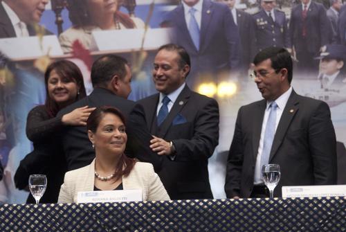 La presidenta en funciones Roxana Baldetti exhortó a los Gobernadores a apoyar al ministerio de Gobernación en la implementación de las estrategias de seguridad. Foto: Jesús Alfonso/Soy502