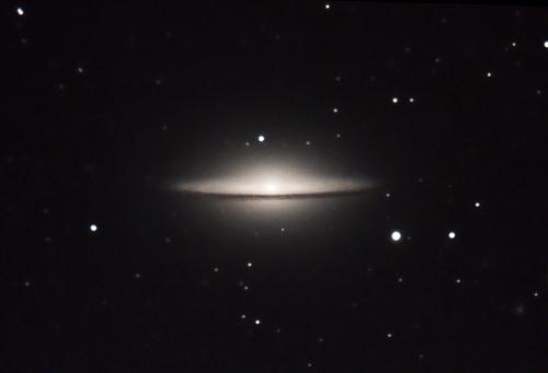 """Esta galaxia es conocida como """"El Sombrero"""". La imagen es de Pepe López. (Foto: Cortesía Edgar Castro Bathen)"""