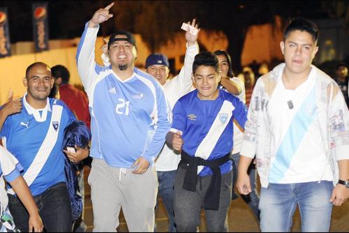 La afición llegó en buen número a apoyar a la Selección Nacional de Guatemala. (Foto: Luis Barrios/Soy502)