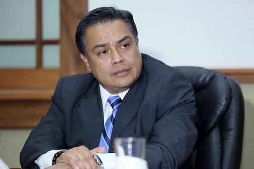 El jefe de la bancada oficial, FCN, fue el único diputado invitado a la reunión entre los presidentes de los Organismos Ejecutivo y Legislativo. (Foto: Presidencia)