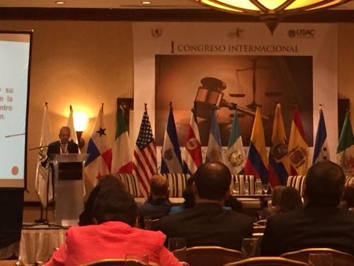 """El juez Miguel Ángel Gálvez durante su exposición en el I Congreso Internacional """"Independencia Judicial y Redes Criminales""""."""