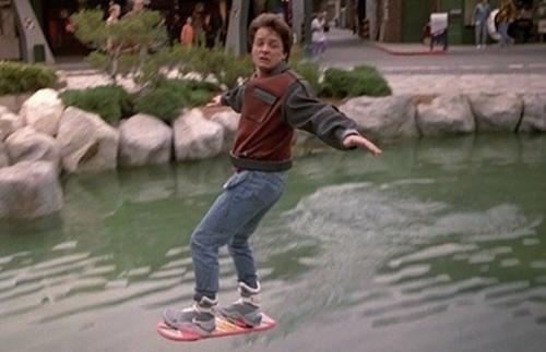 Es posible que la patineta voladora sea una realidad muy pronto. (Foto: complex.com)