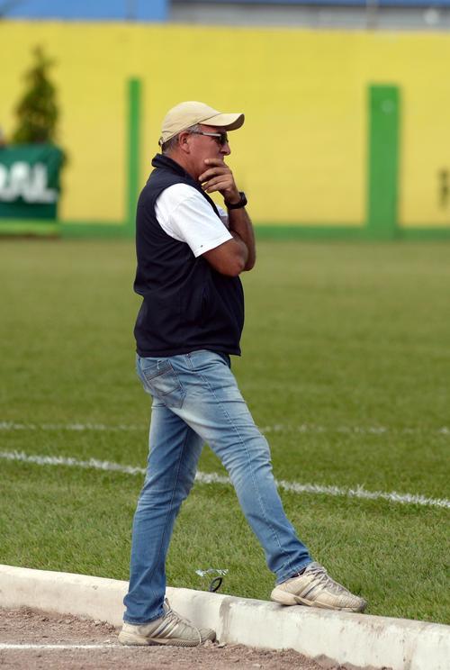 El técnico uruguayo Ariel Sena, lleva más de 5 años con Guastatoya, disputará su primera semifinal en la Liga Nacional. (Foto: Nuestro Diario)