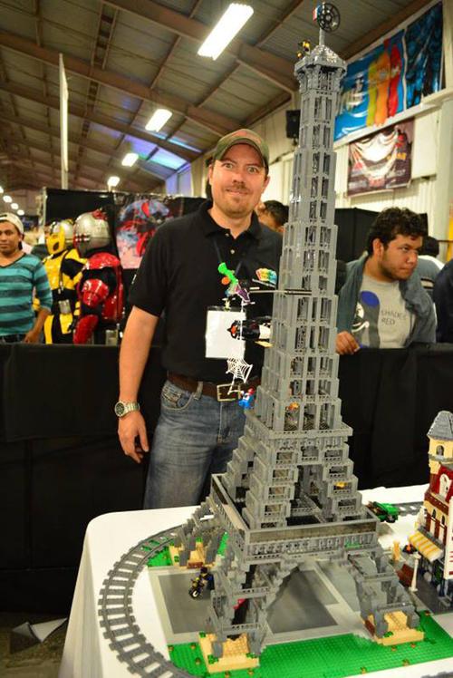 Gustavo Pereda había impresionado antes con sus obras, como esta Torre Eiffel. (Foto: upsocl.com)