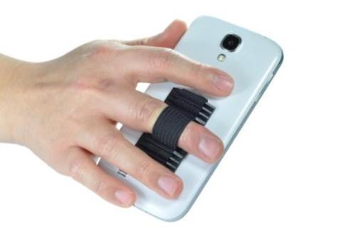 """El """"lazy hand"""" nos permite tener un manejo del teléfono, sin el temor de que pueda """"soltarse"""" de nuestras manos. (Foto: Internet)"""