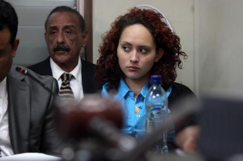El embarazo de Cristal Cotón requiere de atención médica, indicó el abogado defensor, por lo que solicitó que se le atendiera en un centro asistencial (Foto: Estaban Biba/Soy502)
