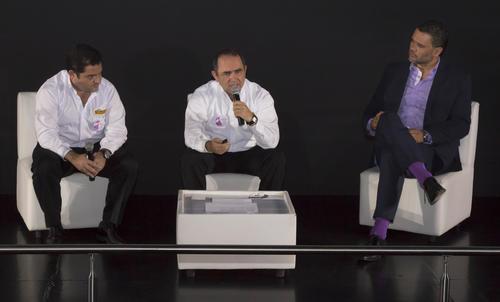 Representantes de Pollo Campero y de la agencia Don't Stop Me Now expusieron los audiovisuales de la campaña. (Foto: Eddie Lara/Soy502)