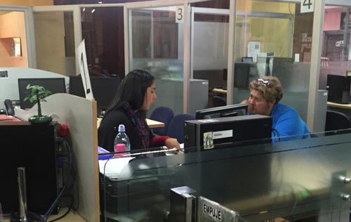 La hija de Aristides Crespo, se encontraba laborando en la oficina del departamento jurídico del Registro. (Foto: Soy502)