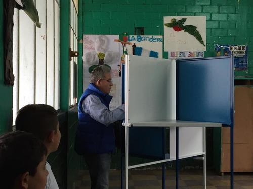 El Juez Miguel Ángel Gálvez, no se tomó ni cinco minutos en el proceso de su emisión del voto. (Foto: Soy502/Marcela Fernández)