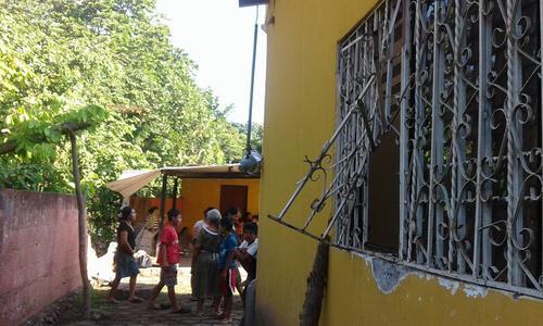 El balcón fue forzado por los delincuentes para sacar las imágenes. (Foto: Facebook/Canal 46)