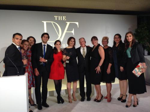 María Pacheco posa junto al resto de personas reconocidas en la séptima edición de los Premios DVF en Nueva York. (Foto: Cortesía Wakami)