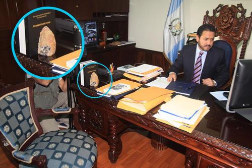 La piedra lunar estuvo en el escritorio del despacho presidencial. (Foto: Congreso)