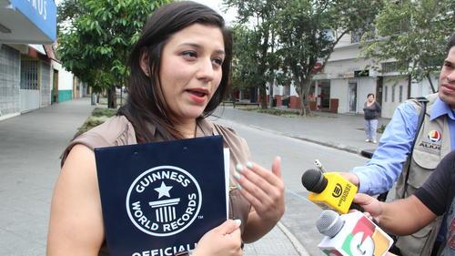 Evelyn Carrera es adjudicadora Oficial del Guinness World Records.  (Foto: Antonio Ordoñez/Soy502)