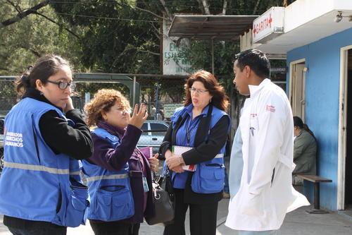 La PDH realizó una visita al hospital Roosvelt para verificar la calidad de los insumos donados. (Foto: PDH)