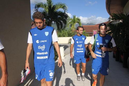 Marco Pablo Pappa retorna junto a sus compañeros de Selección, tras el entrenamiento. (Foto: Luis Barrios/Soy502)