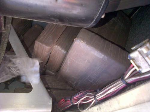 Paquetes con droga fueron encontrados en el interior de los contenedores en Puerto Quetzal. Foto:Soy502