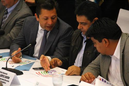 Los diputados continúan las negociaciones para presidir el Congreso. (Foto: Alexis Batres/Soy502)