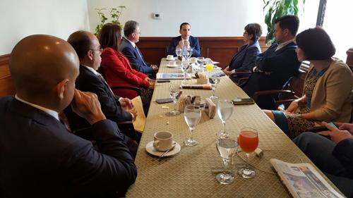 Durante la mañana los empresarios se reunieron con el viceministro de Gobernación. (Foto: CIG)