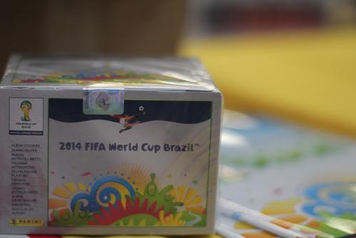 Las estampas también se venden por caja, la cual tiene un costo de 479 quetzales (Foto: José Dávila/Soy502)