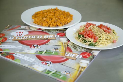 """""""A comer bien"""", recetario nutricional ilustrativo. (Foto: George Rojas/Soy502)."""