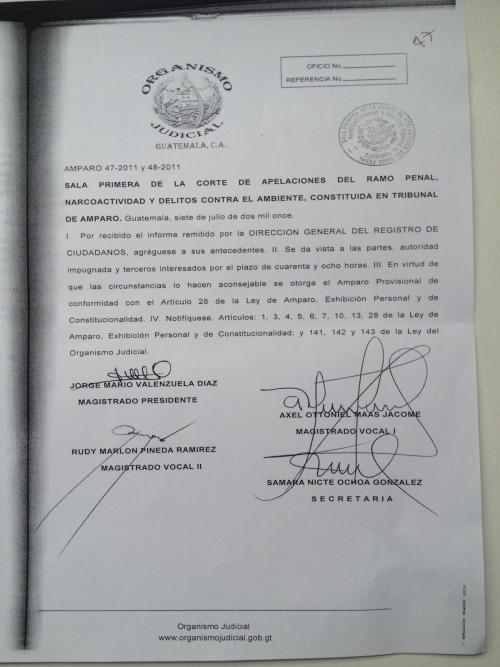 Resolución del amparo provisional de Sandra Torres en 2011.