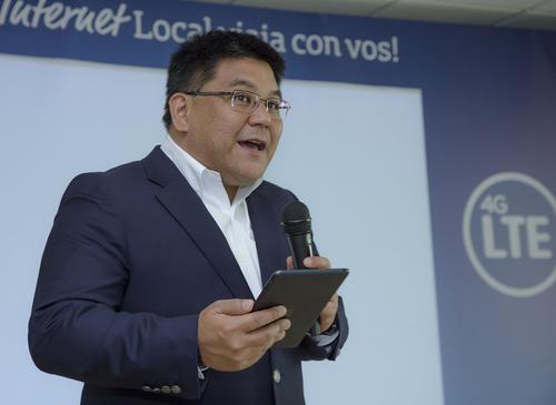Carlos Namisato, Gerente de Marketing Movistar Guatemala, habla sobre los nuevos beneficios para usar el plan de datos en otros países. (Foto: George Rojas /Soy502)