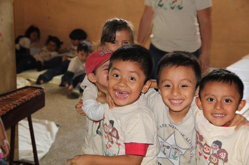 Un total de 72 niños desde los dos meses de edad hasta los 5 años permanecen en la guardería, luego pasan a la escuela primaria, siempre en UPAVIM (Foto: Alexis Batres/Soy502)