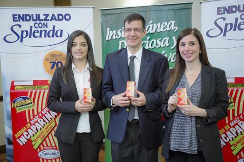 Ana Lucía Monroy, gerente de Marca, José Mariano Castillo, gerente de Mercadeo y Odette Muralles consultora de Nutrición, explicaron los beneficios nutricionales de las nuevas presentaciones. (Foto: Magui Medina/Soy502)