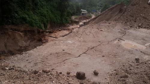 Las lluvias provocaron fisuras en el suelo a partir del lunes. (Foto: Sergio Cabañas/Conred)